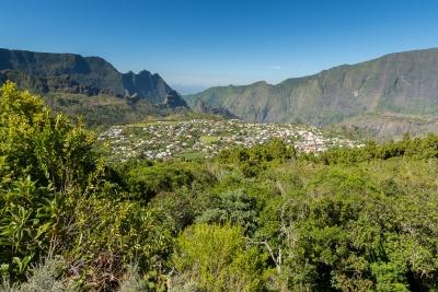 Vue sur le village de Cilaos depuis la Roche Merveilleuse