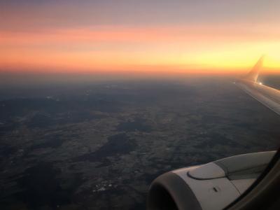Lever de soleil dans l'avion